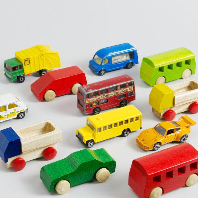 Verschiedene Spielzeug-Fahrzeuge