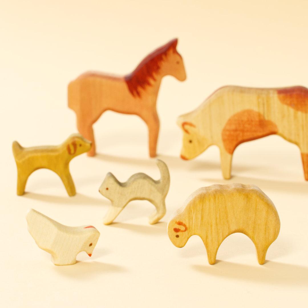 Holztiere-Set Bauernhof, Tiere aus bemaltem Naturholz